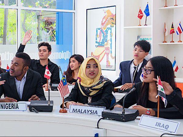Prodi HI FISIP Universitas Budi Luhur & Kementerian Luar Negeri Melakukan Kerjasama