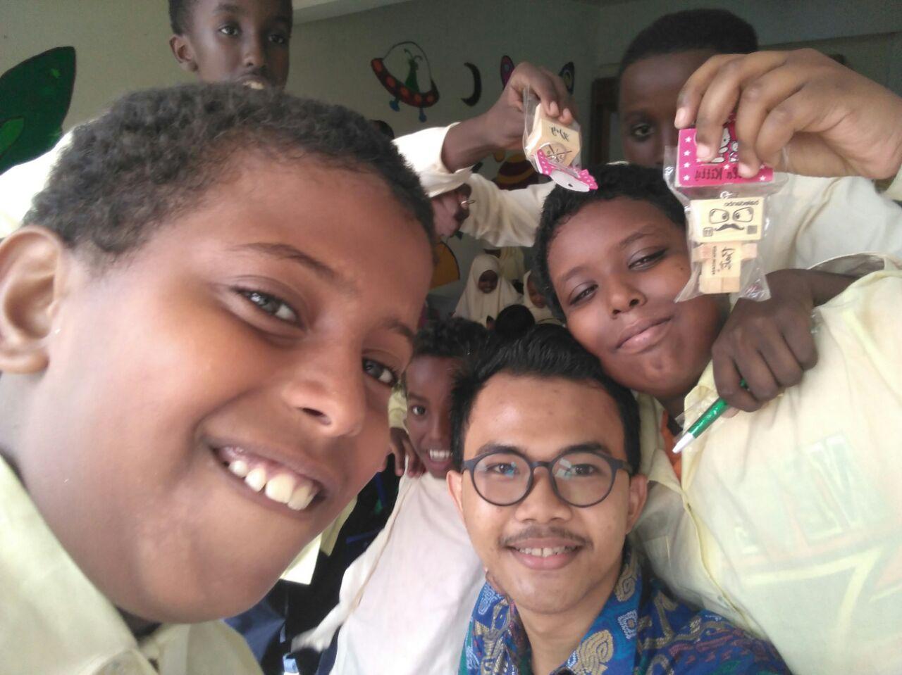 Mahasiswa Hubungan Internasional Terpilih Menjadi Volunteer di Sekolah Imigran Somalia Dalam Program Friendship From Indonesia (FFI) di Malaysia dan Singapura