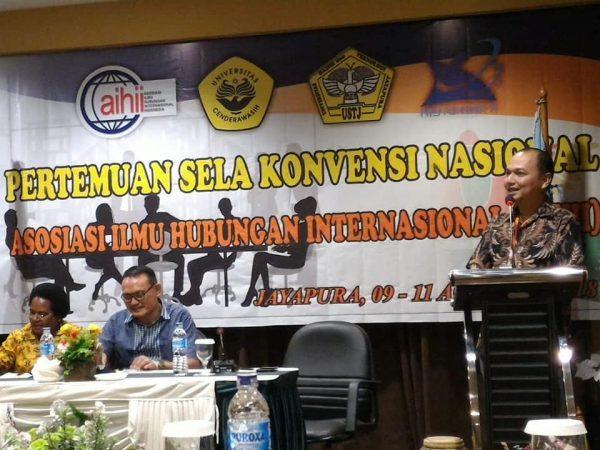 Dr. Yusran (Dosen Prodi Hubungan Internasional, FISIP, Universitas Budi Luhur) sekaligus Ketua Asosiasi Ilmu Hubungan Internasional Indonesia (AIHII) sebagai penggagas kegiatan pertemuan Nasional AIHII