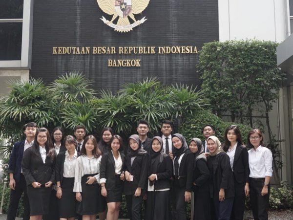 Mahasiswa Prodi HI Melakukan Internship di KBRI Bangkok, Thailand